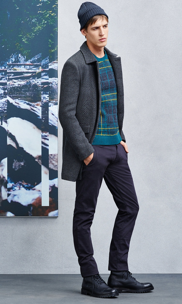 Blue hat, grey jacket, sweater, black trousers and black shoes by BOSS Orange