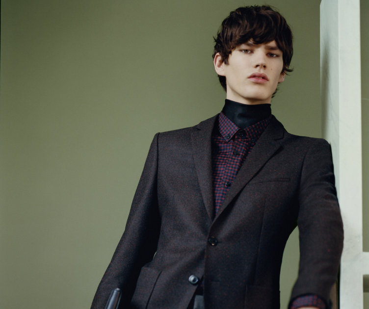 Tailored Jacket, patterned shirt and trousers by HUGO