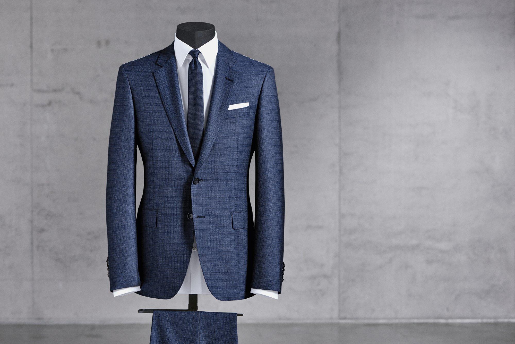 Fertigung von BOSS Anzügen: Halbfertiger Anzug