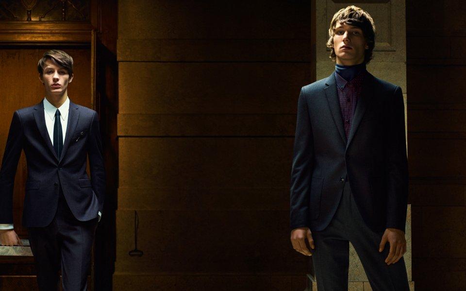 Zwei Herren in Anzügen von HUGO