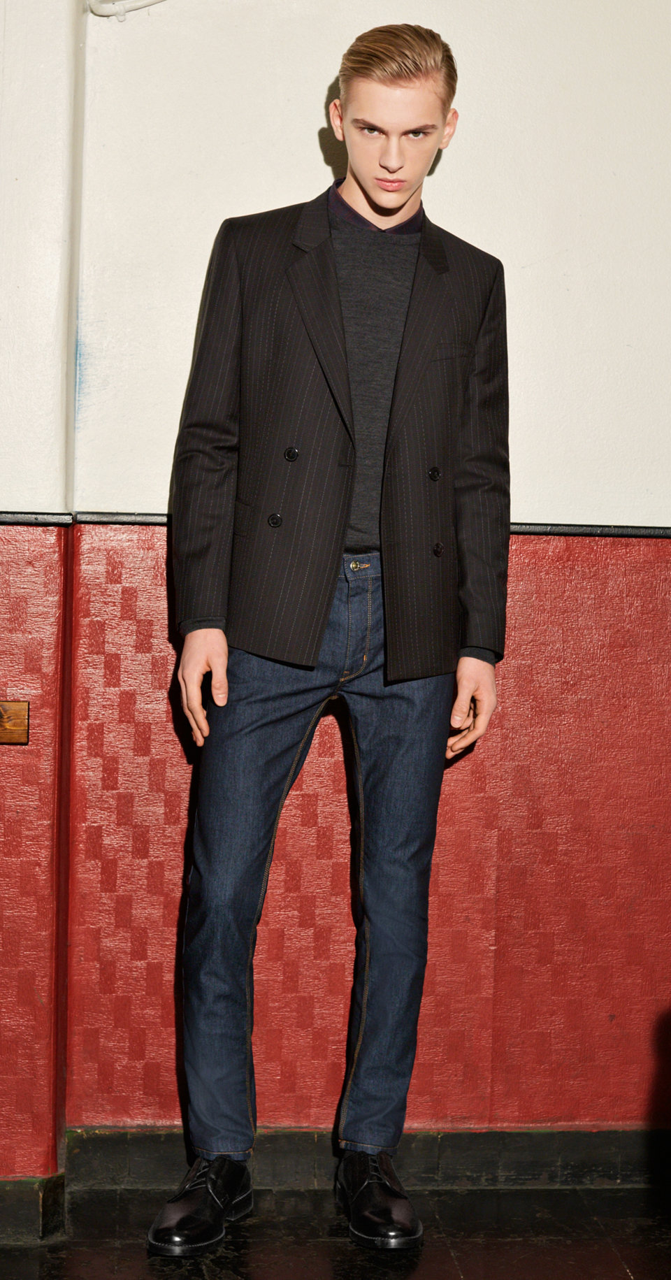 Black Jacket, grey shirt, grey knitwear, Jeans and shoes by HUGO