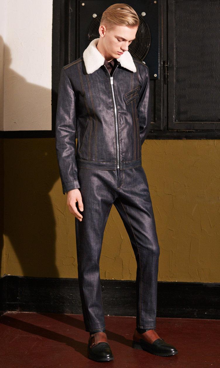 Donkerblauw jack, broek en schoenen van HUGO