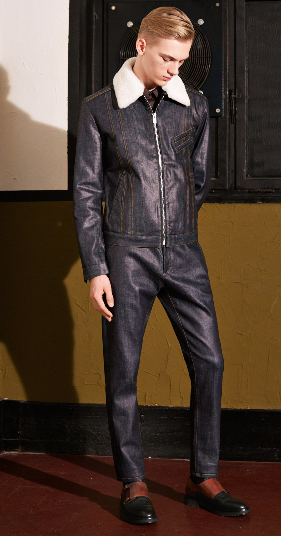 Dark blue jacket, trousers and shoes by HUGO
