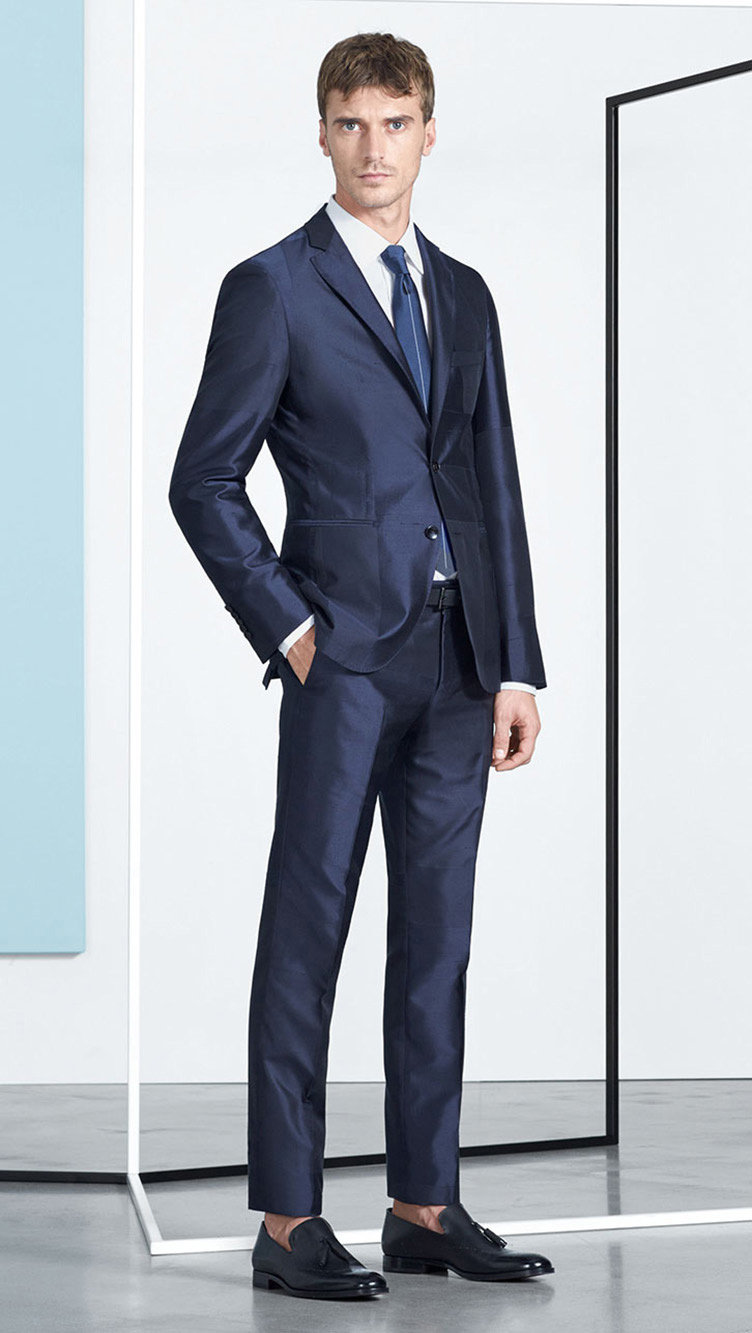 Blue suit, white shirt, shoes and tie by BOSS