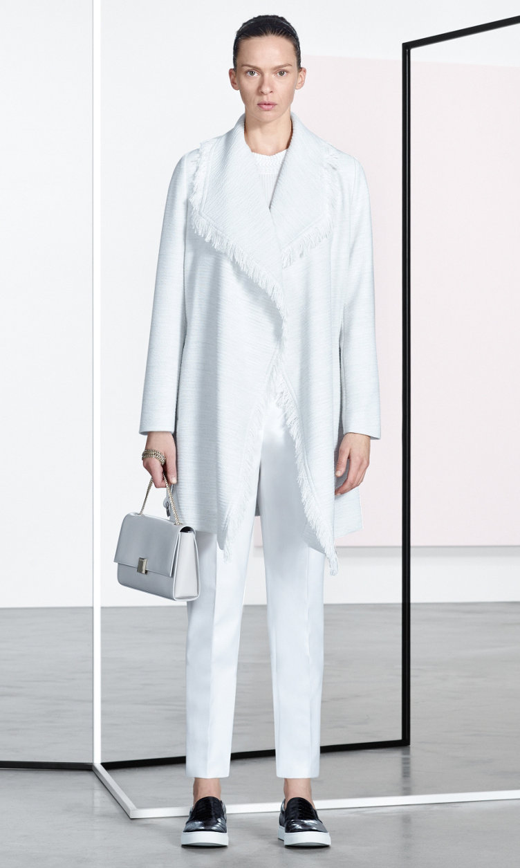 Abrigo, prenda de punto, pantalón, bolso y zapatos de BOSS