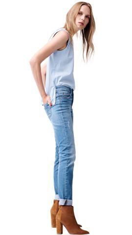 BOSS_ORANGE_Women_PF17_Look_5,