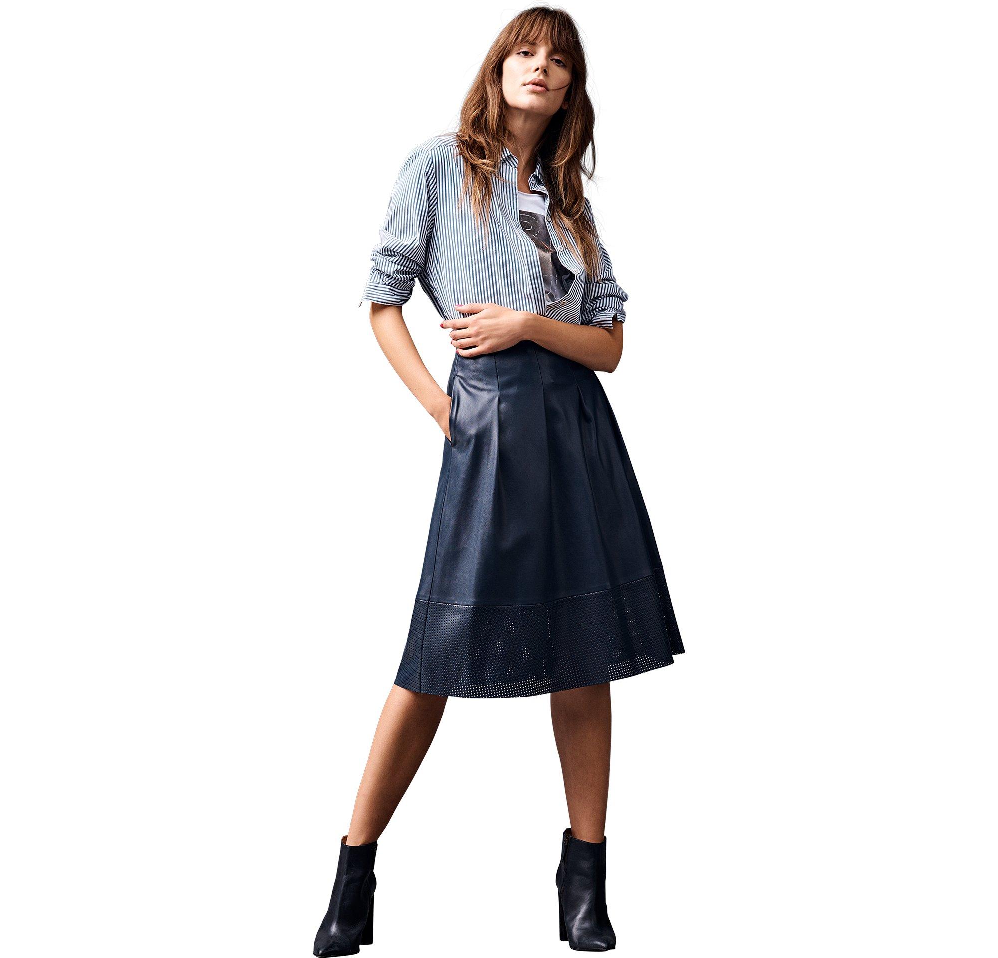 BOSS_ORANGE_Women_PF17_Look_28,