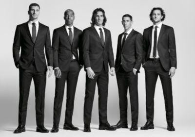 Fußballspieler von Paris Saint-Germain in Outfits von BOSS
