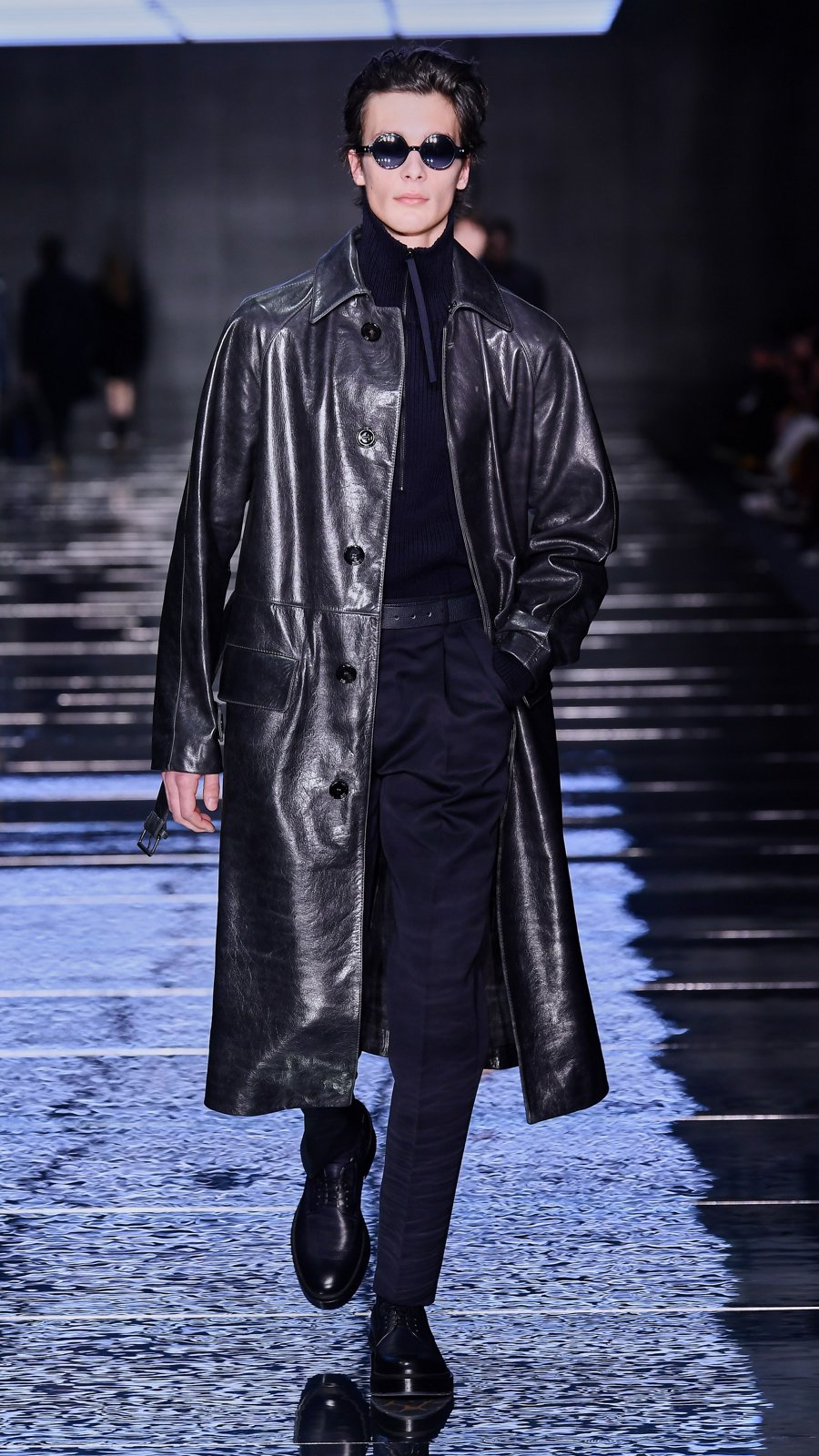 e7e80754a86296 Runway look from the BOSS fashion show Fall Winter 2019 ...