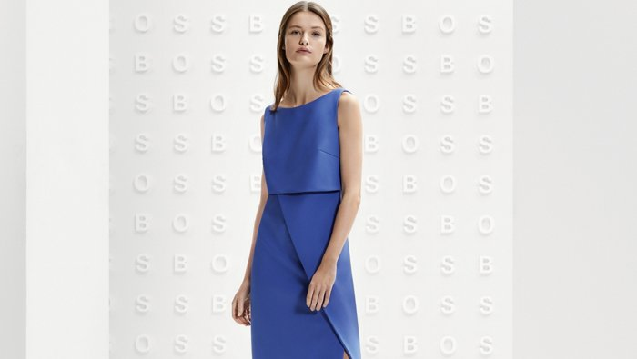 Look de traje de pantalón formal azul BOSS para mujer