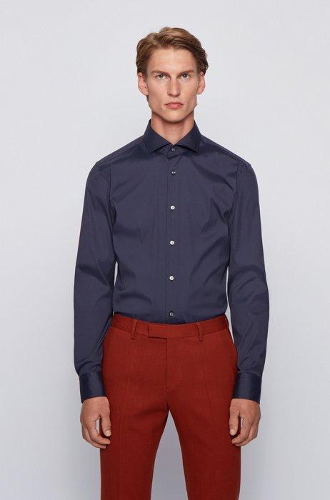 Camisa slim fit de popelín en mezcla de algodón con elástico, Azul oscuro