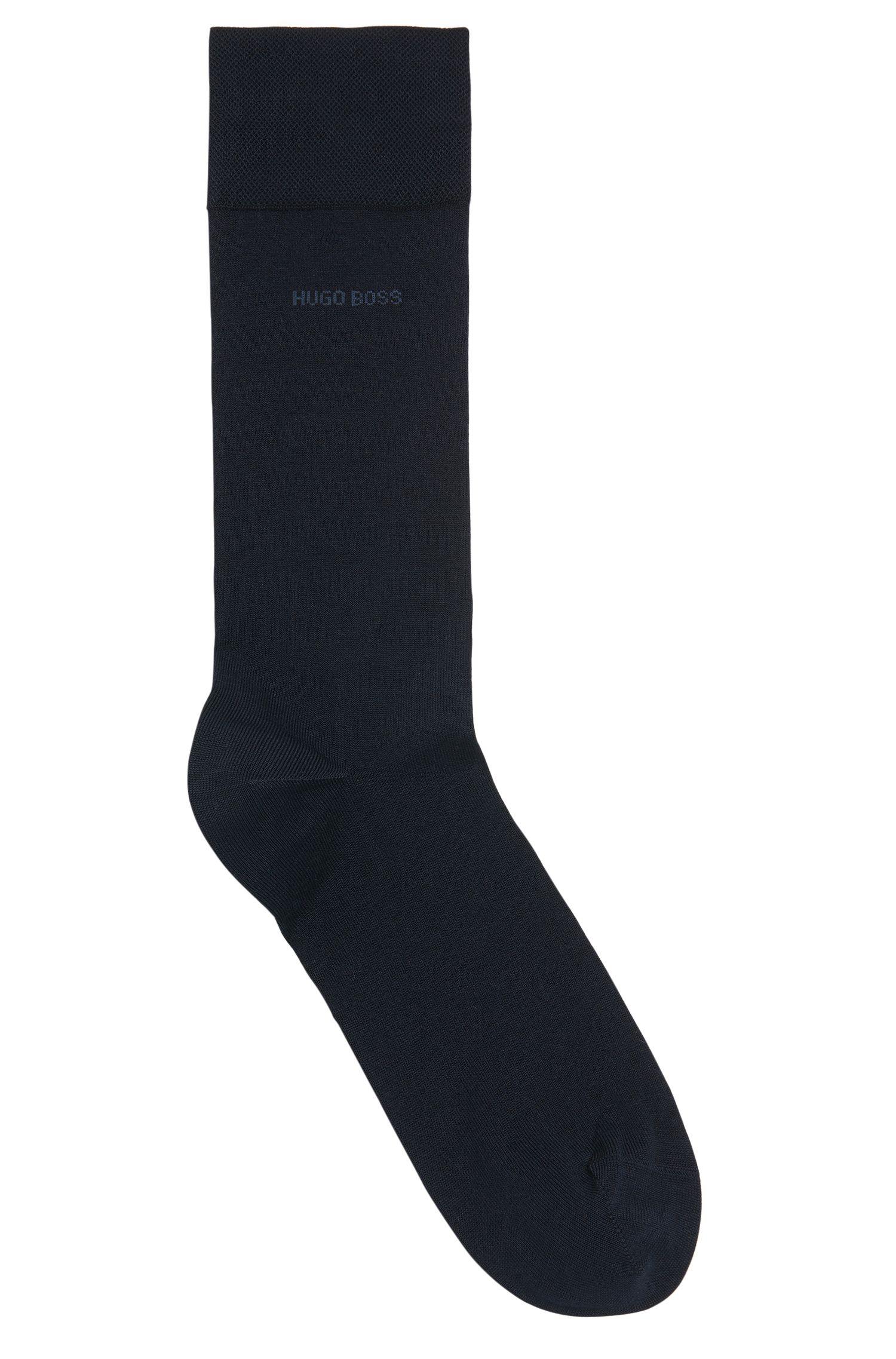 Chaussettes en coton mercerisé, avec des pointes remaillées à la main