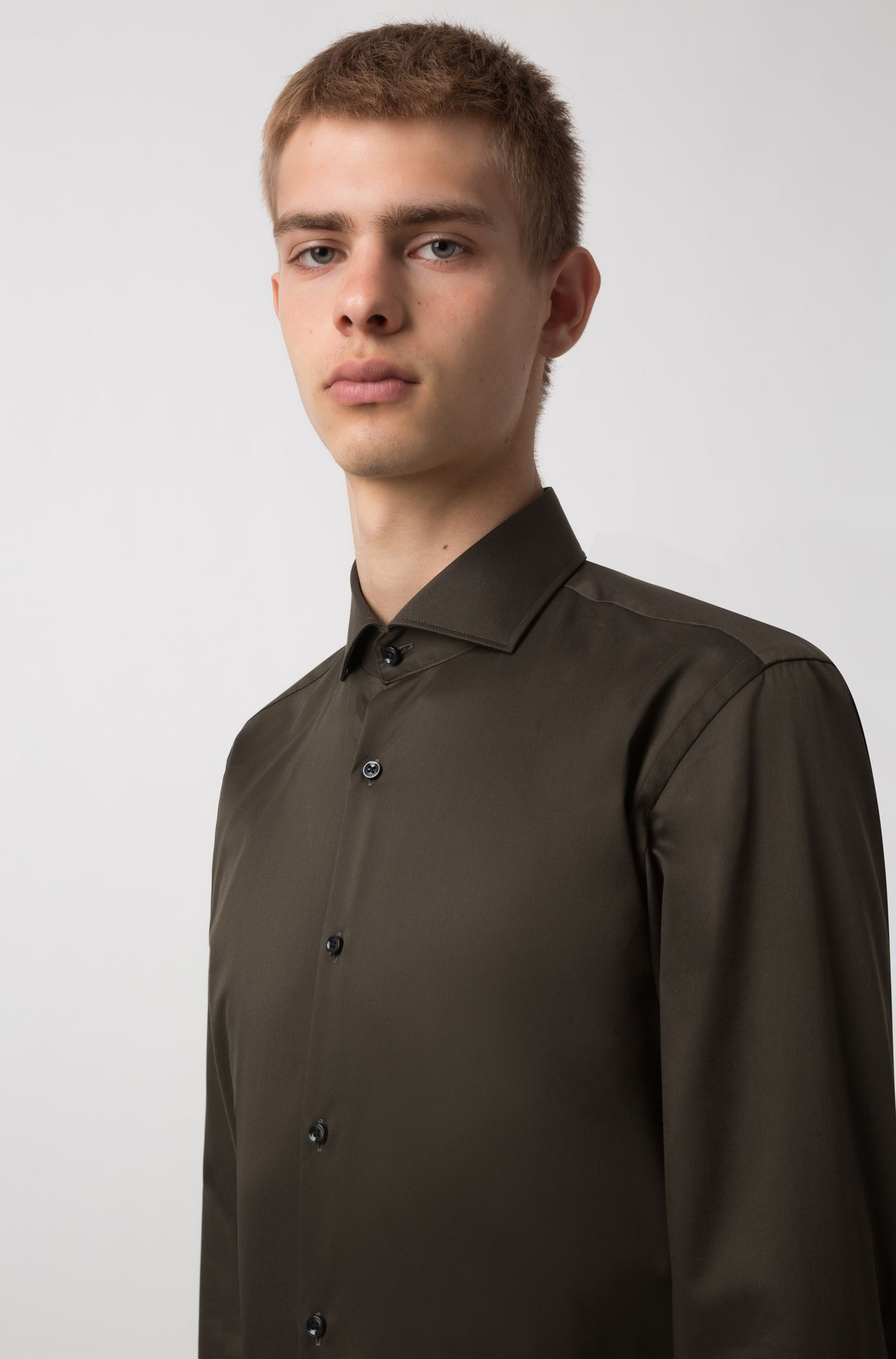 Slim-fit shirt in cotton poplin , Dark Green