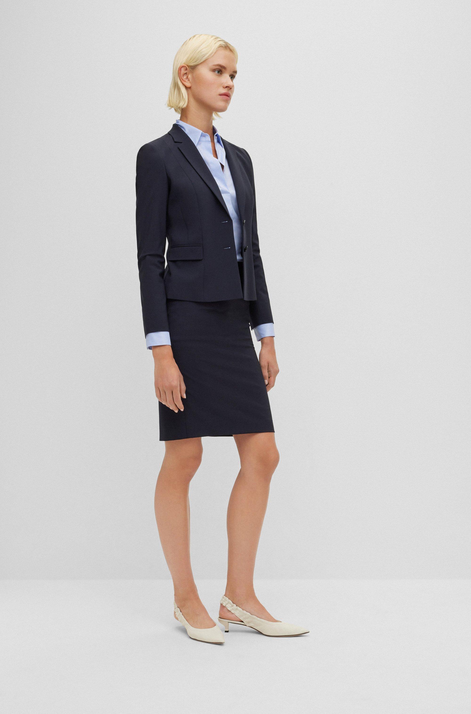 Slim-Fit Bluse mit Abnähern