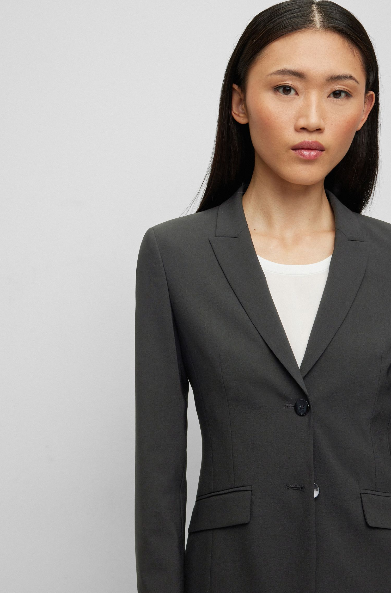 Blazer en laine stretch à revers en pointe , Noir
