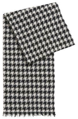 Scarf in wool blend with houndstooth pattern: 'Women-Z 490', Patterned