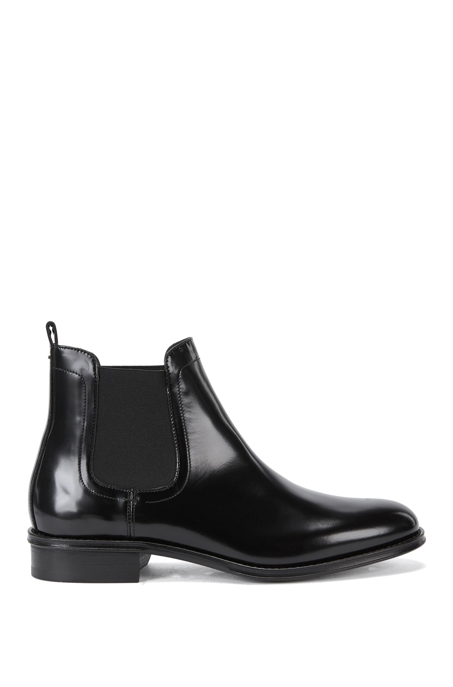 Contemporary Chelsea boots in Italian leather