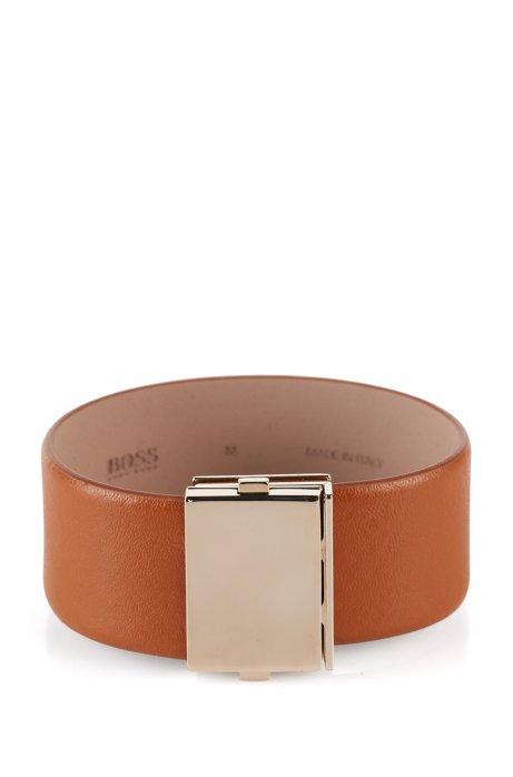 10451b4277e5 BOSS - Pulsera de piel   Romi bracelet