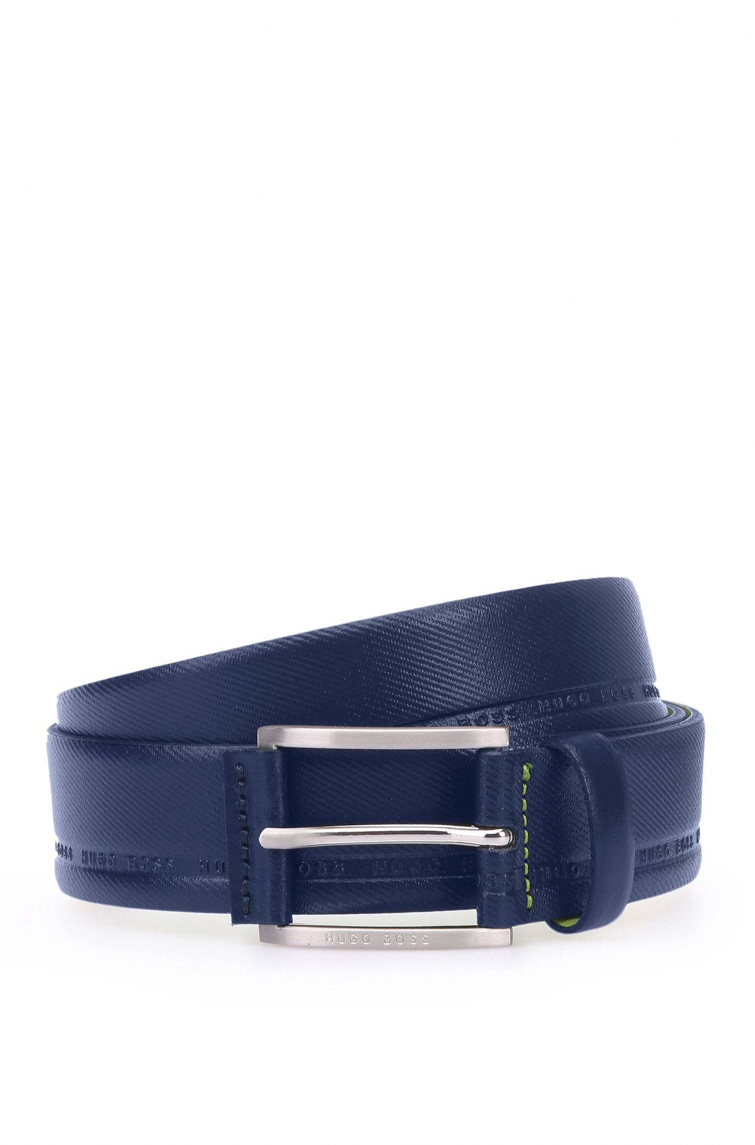 Cinturón de piel con textura marcada y logos estampados: 'Tymos'