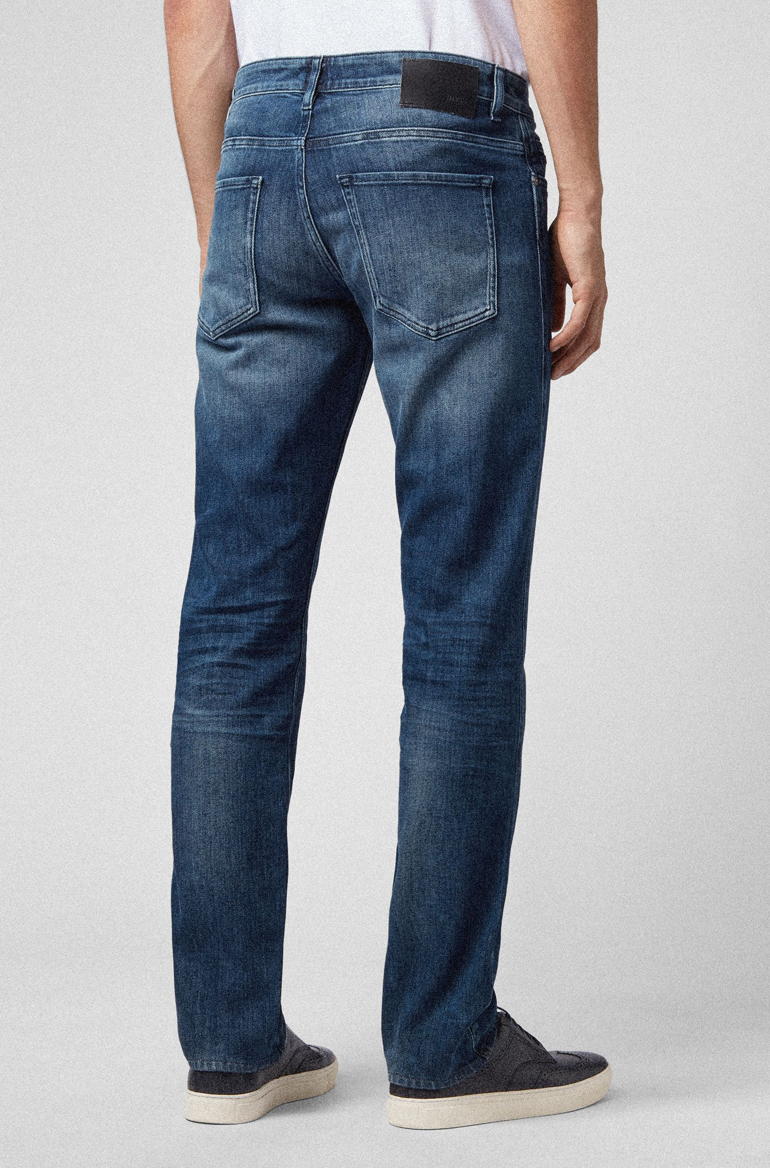 Vaqueros slim fit en denim de lavado medio, Azul