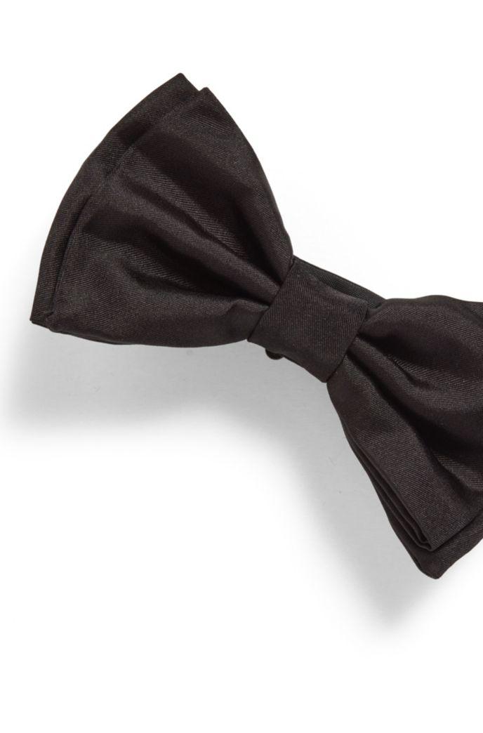 Bow tie and cummerbund set in silk jacquard