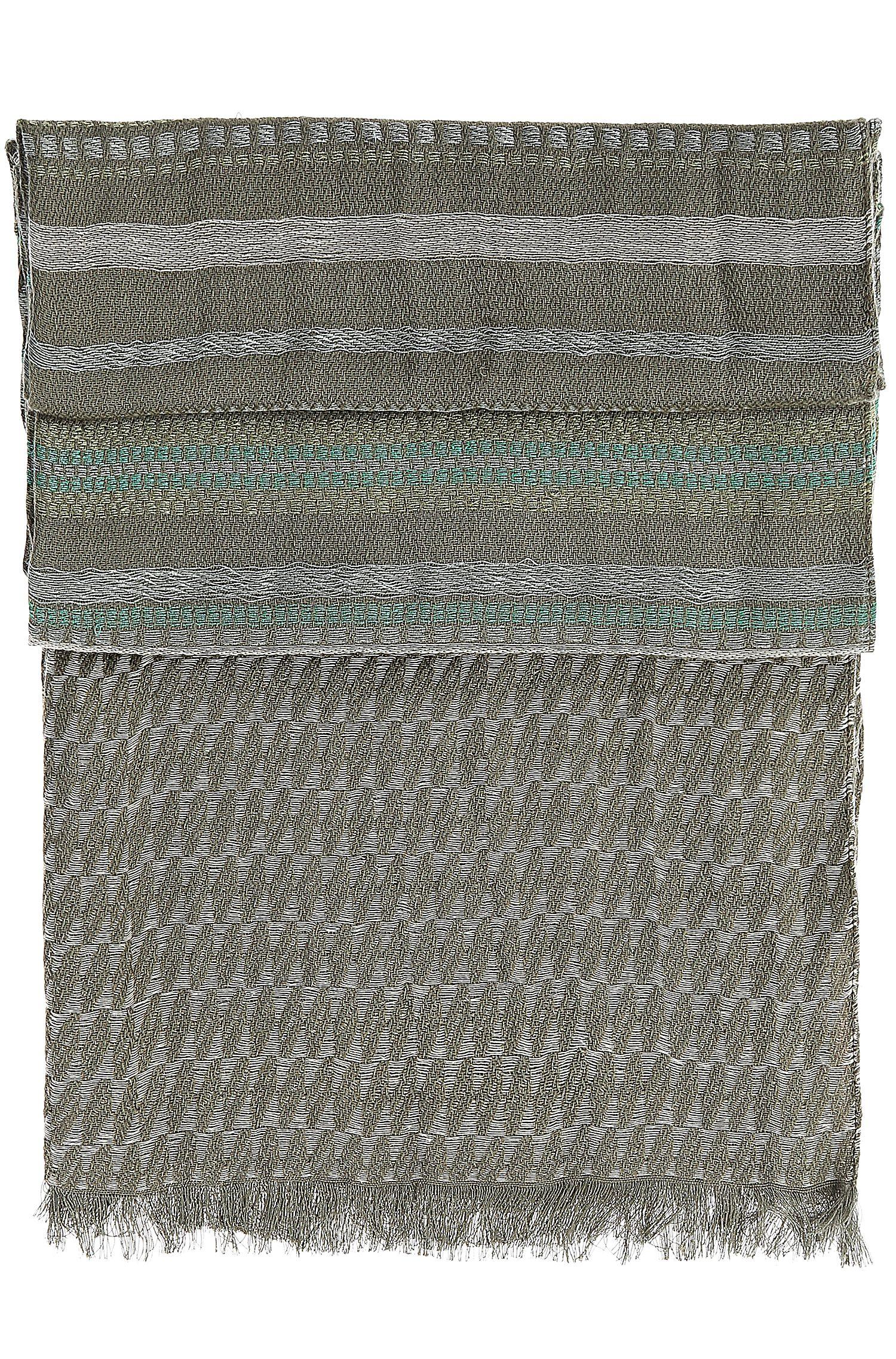 Gemusterter Schal aus Baumwoll-Mix mit Viskose: ´Nelow`