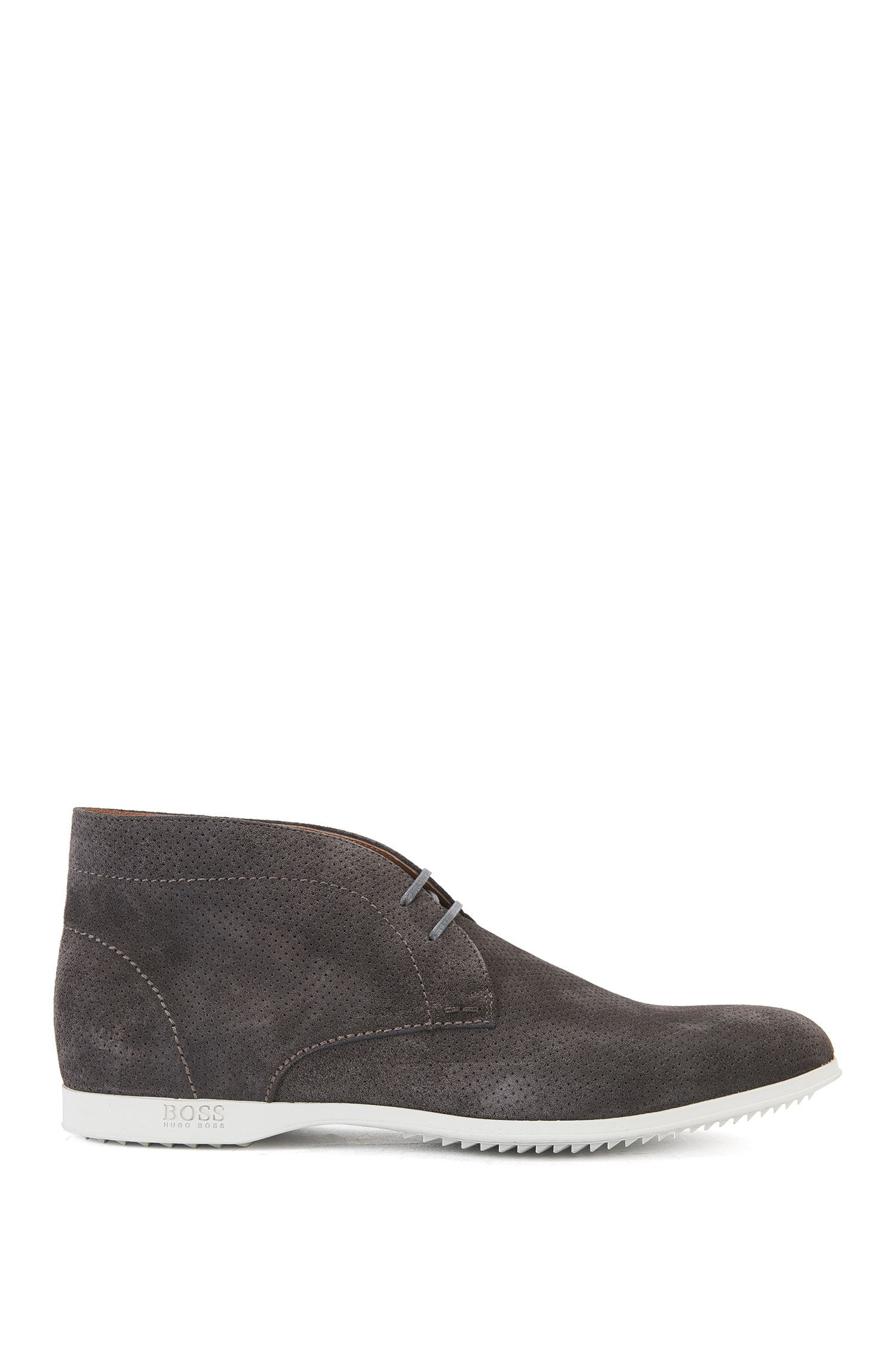 Leather boots with perforations: 'Sodeser'