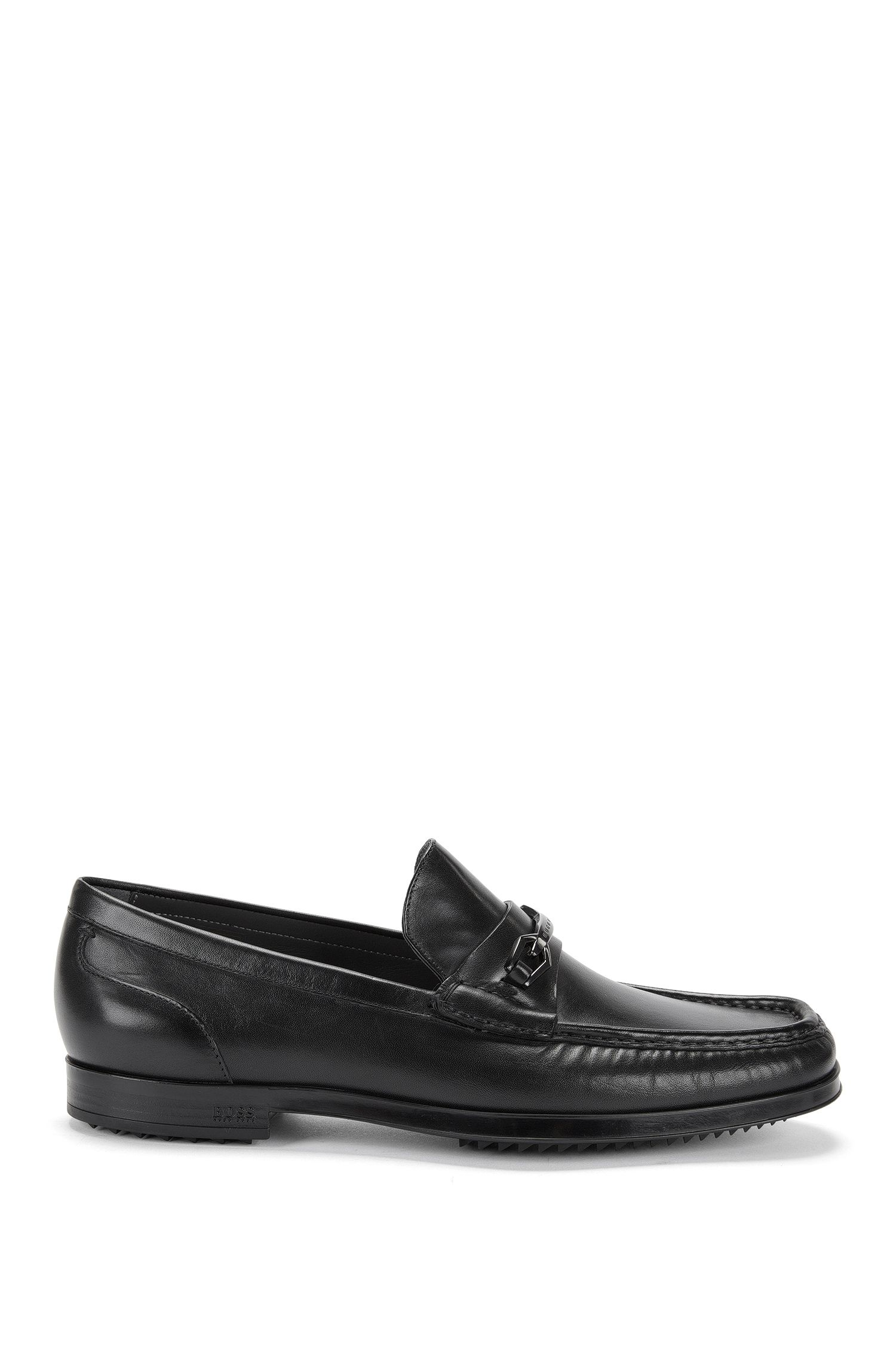 Moccasins in smooth leather with a low heel: 'Clamoc'