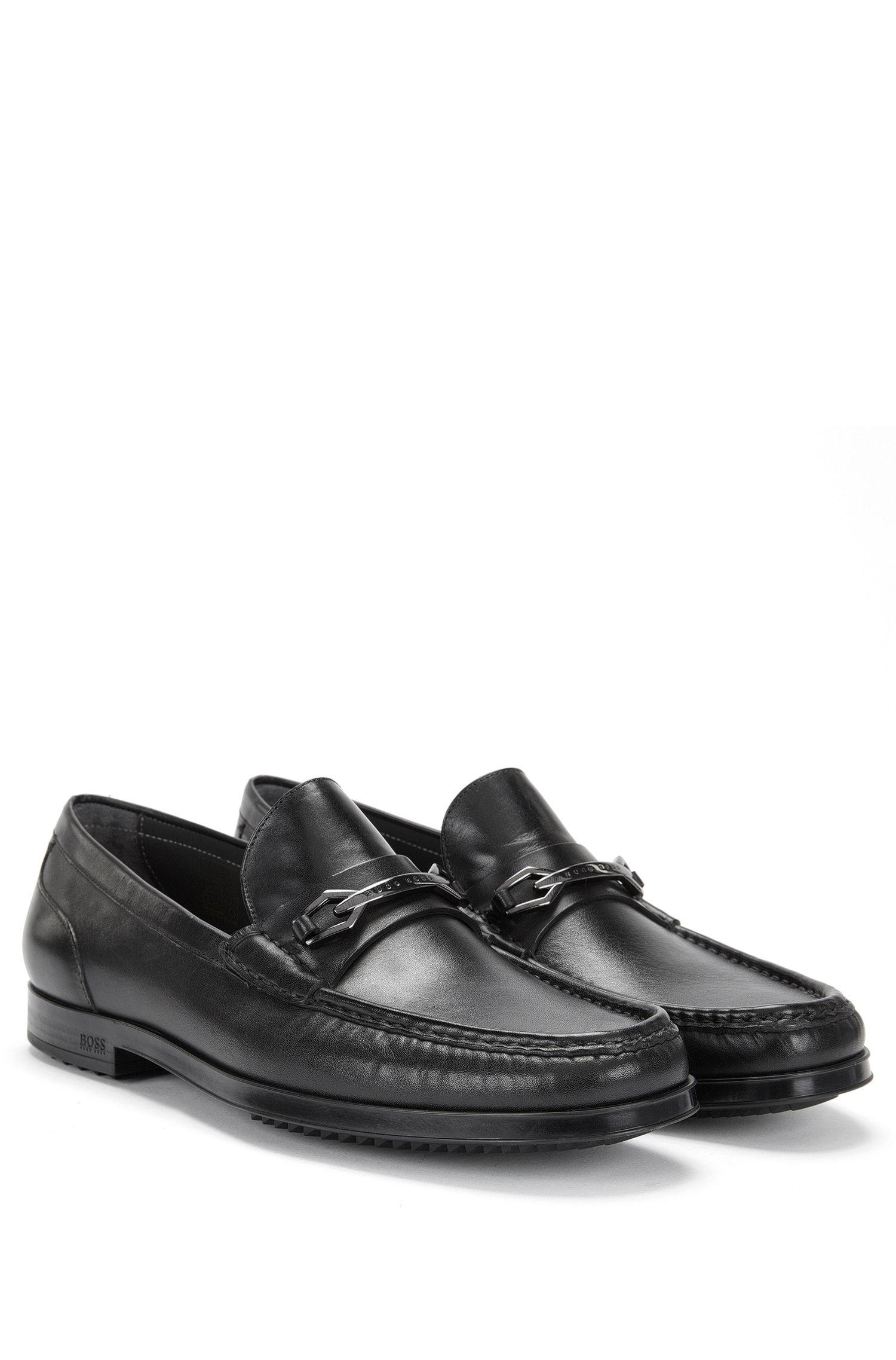 Mokassins aus glattem Leder mit flachem Absatz: 'Clamoc', Schwarz
