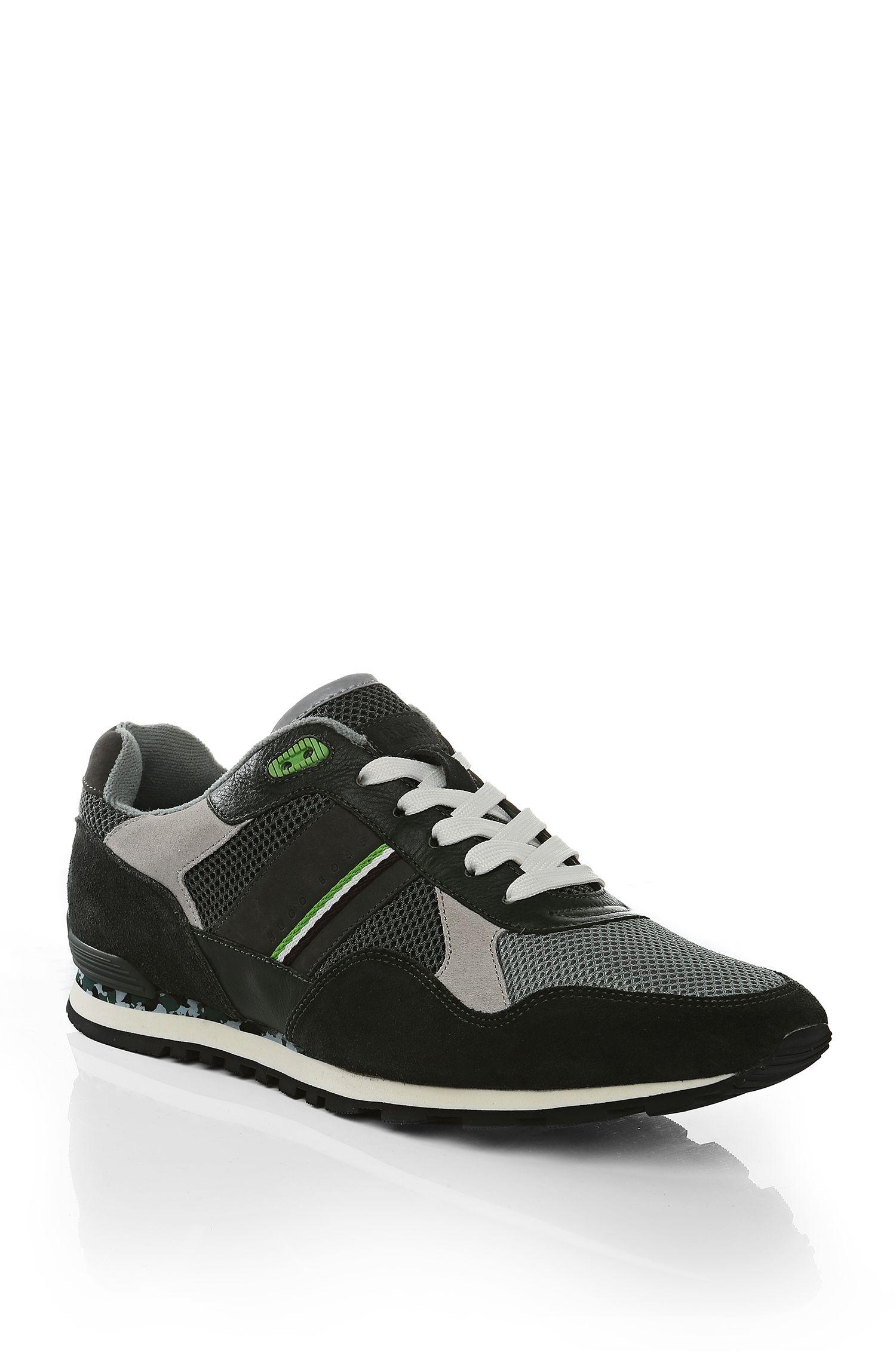 Sneakers van een materiaalmix met leer: 'Runcool Camo'