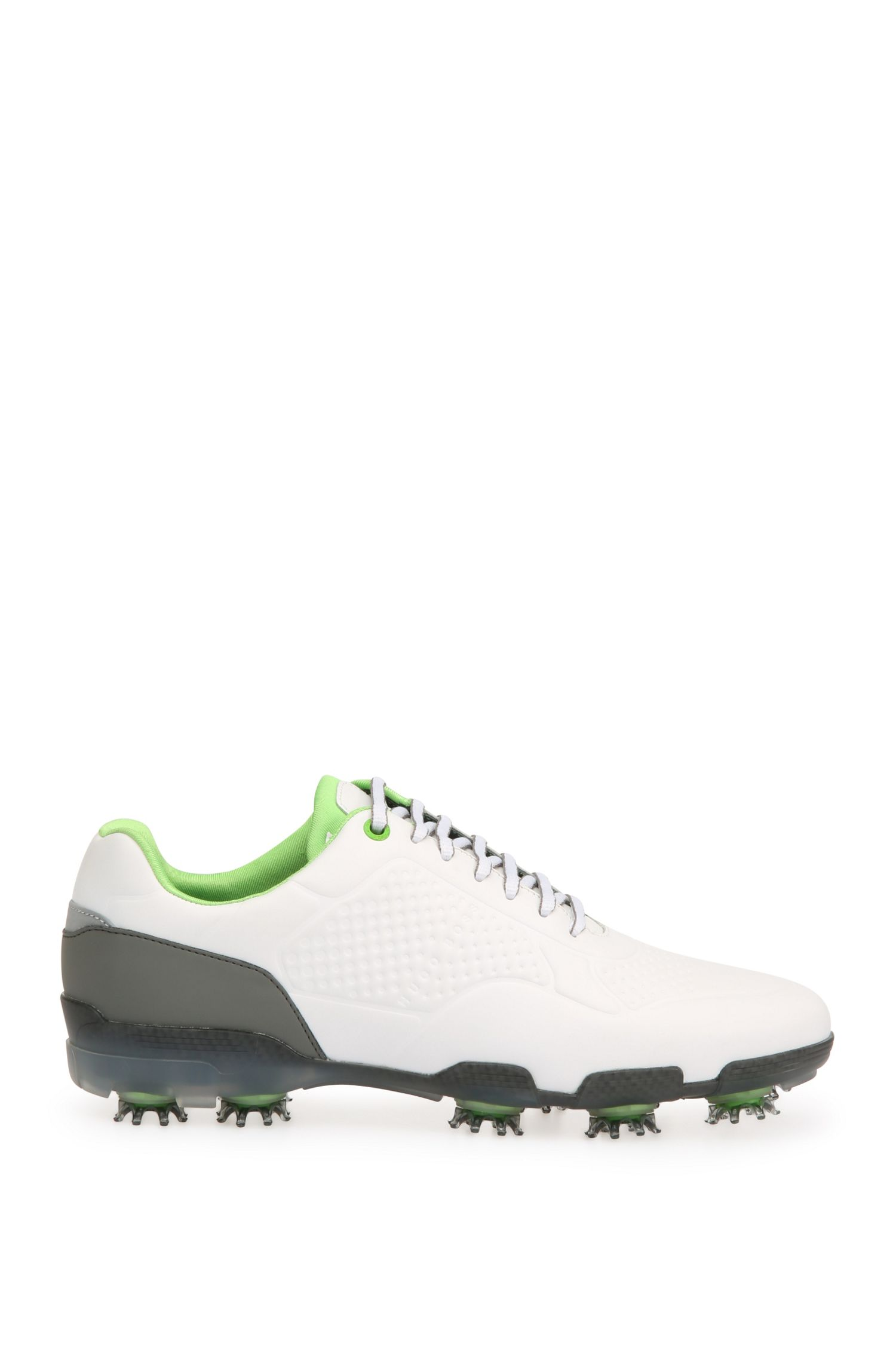 Golf shoes in patterned leather