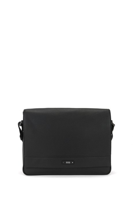 c7c98770d1 Messenger bag in soft grained leather, Black