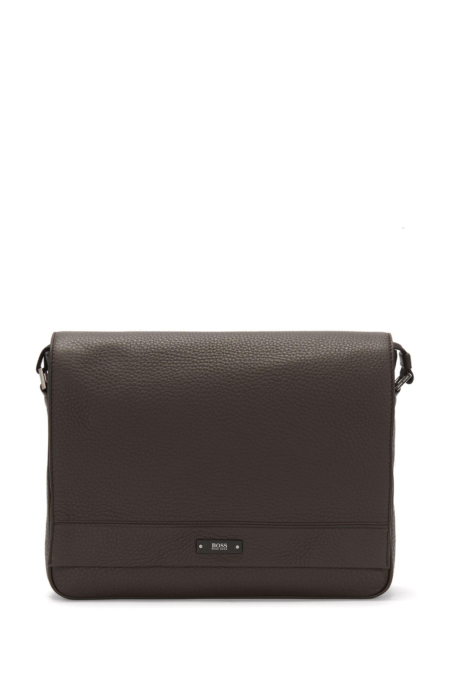 Travel Line Messenger Bag aus genarbtem Leder