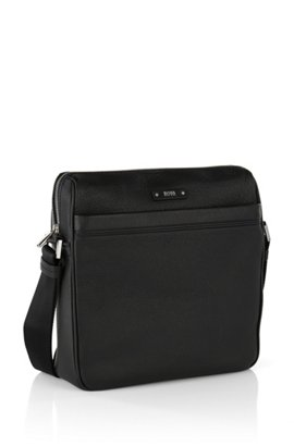 BOSS Travel Line reporter bag in grained leather, Black