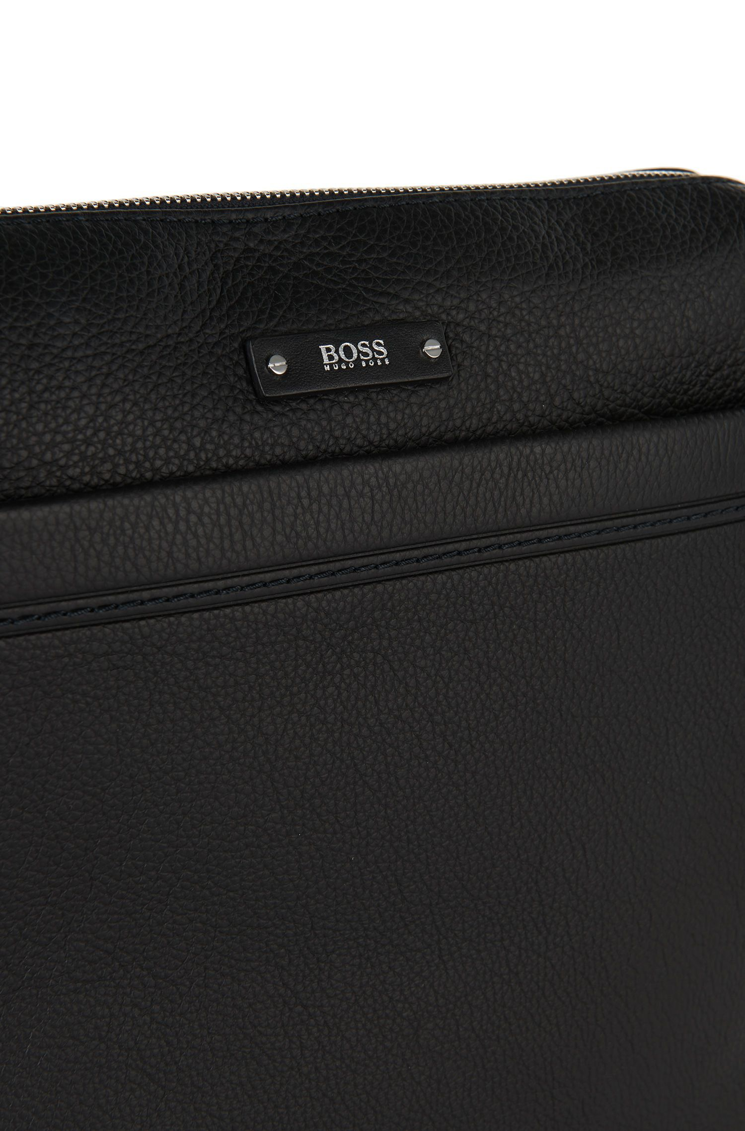 Sac coursier BOSS Travel Line en cuir grainé, Noir