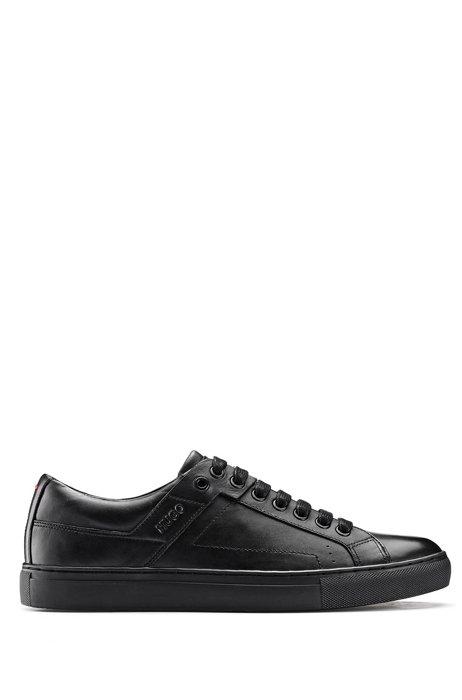 Sneakers im Tennis-Stil aus Nappaleder mit Gummisohle, Schwarz