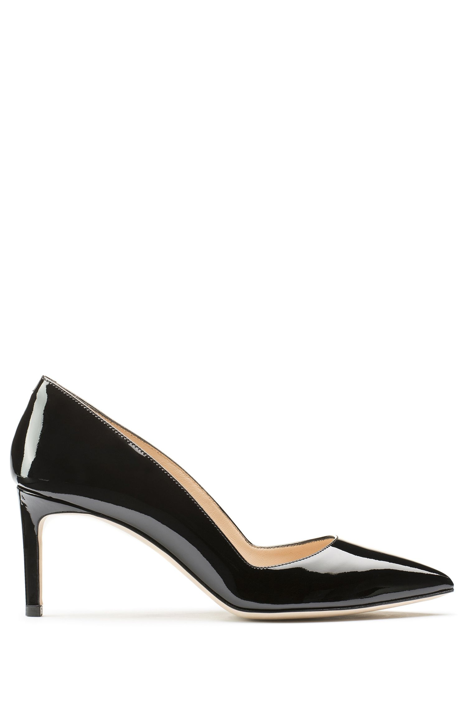Pointed-toe pumps in patent leather