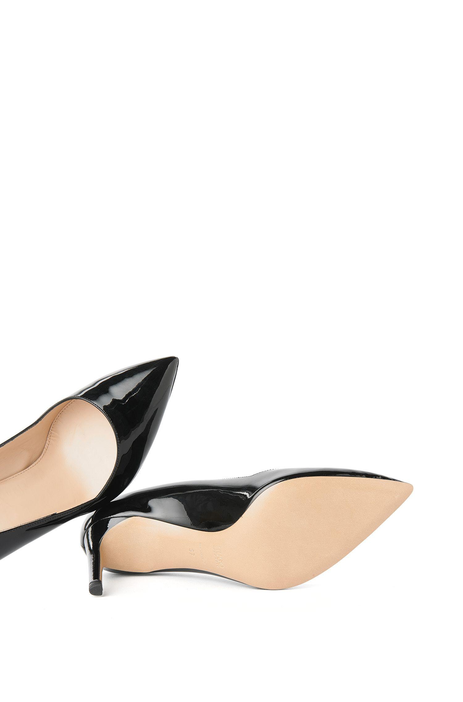 Zapatos de salón de charol con puntera, Negro