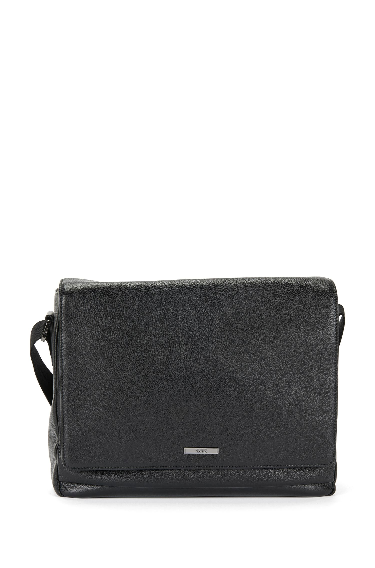 Messenger bag van generfd leer: 'Element_Mess flap', Zwart