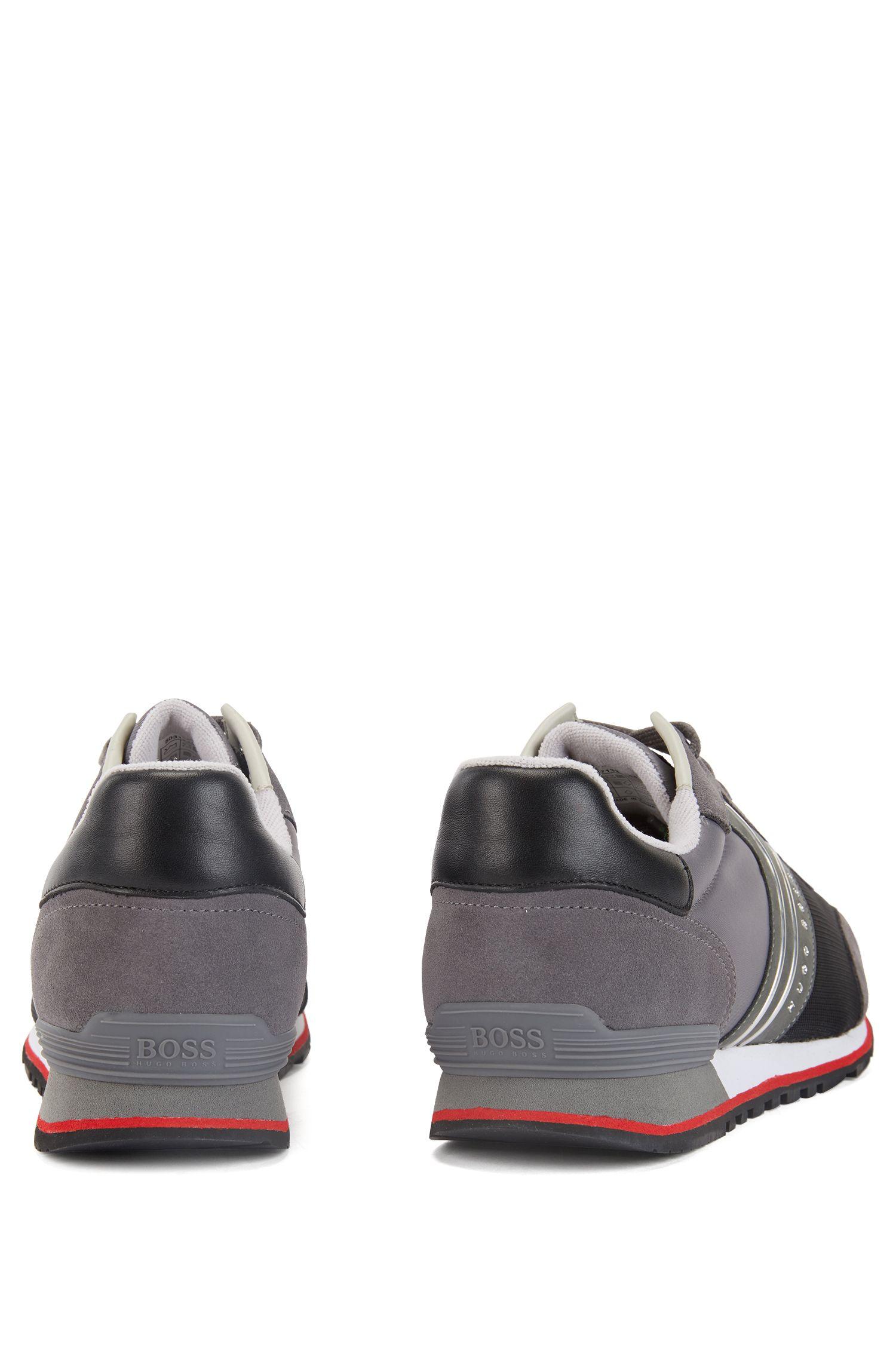 Baskets légères à lacets au design hybride, Gris