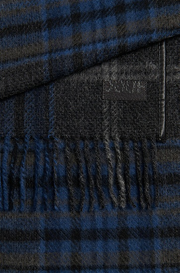 Checked scarf in wool with leather-effect details: 'Men-Z 452', Blue