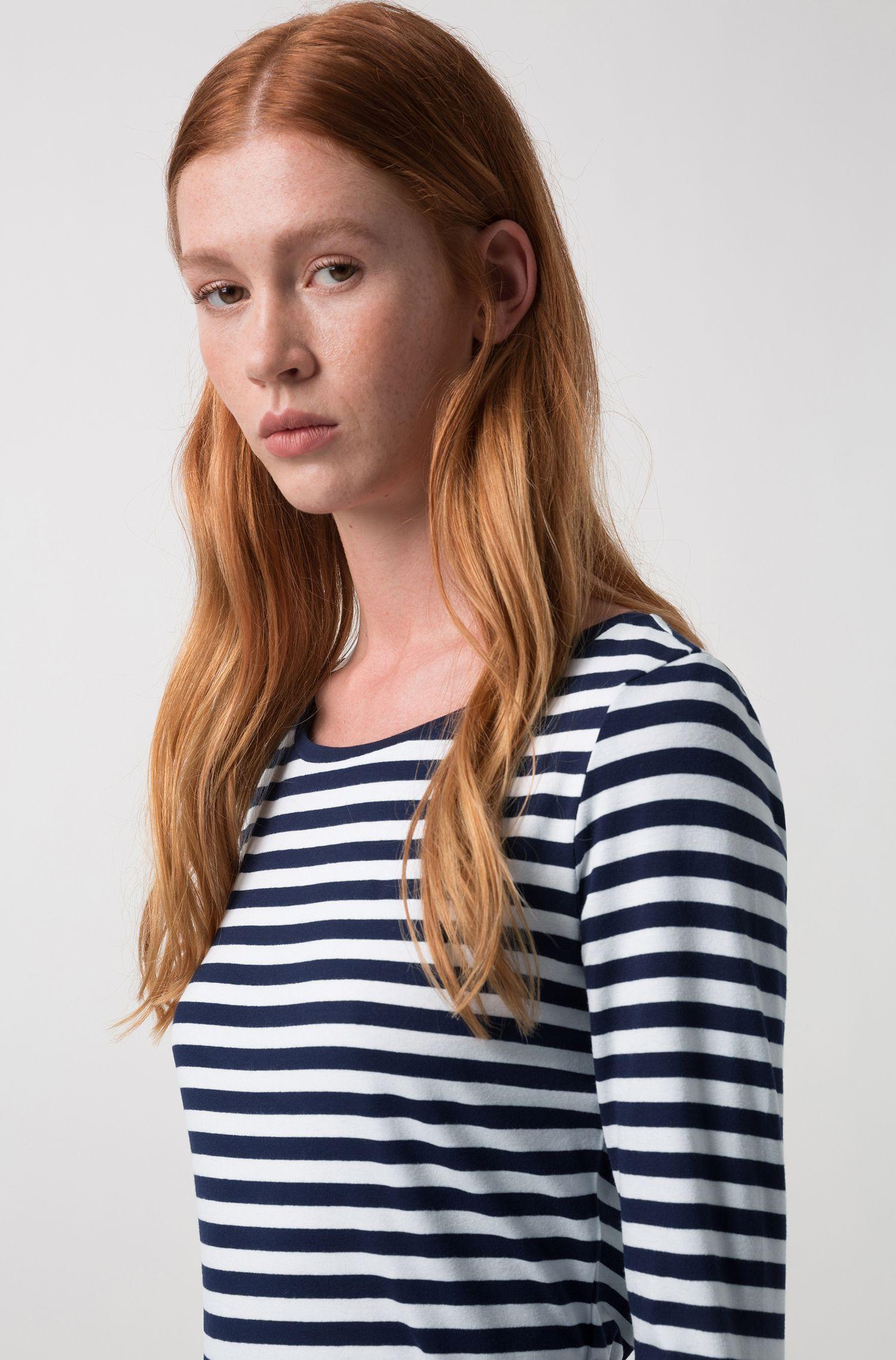 Slim-fit T-shirt van gestreepte jersey met boothals