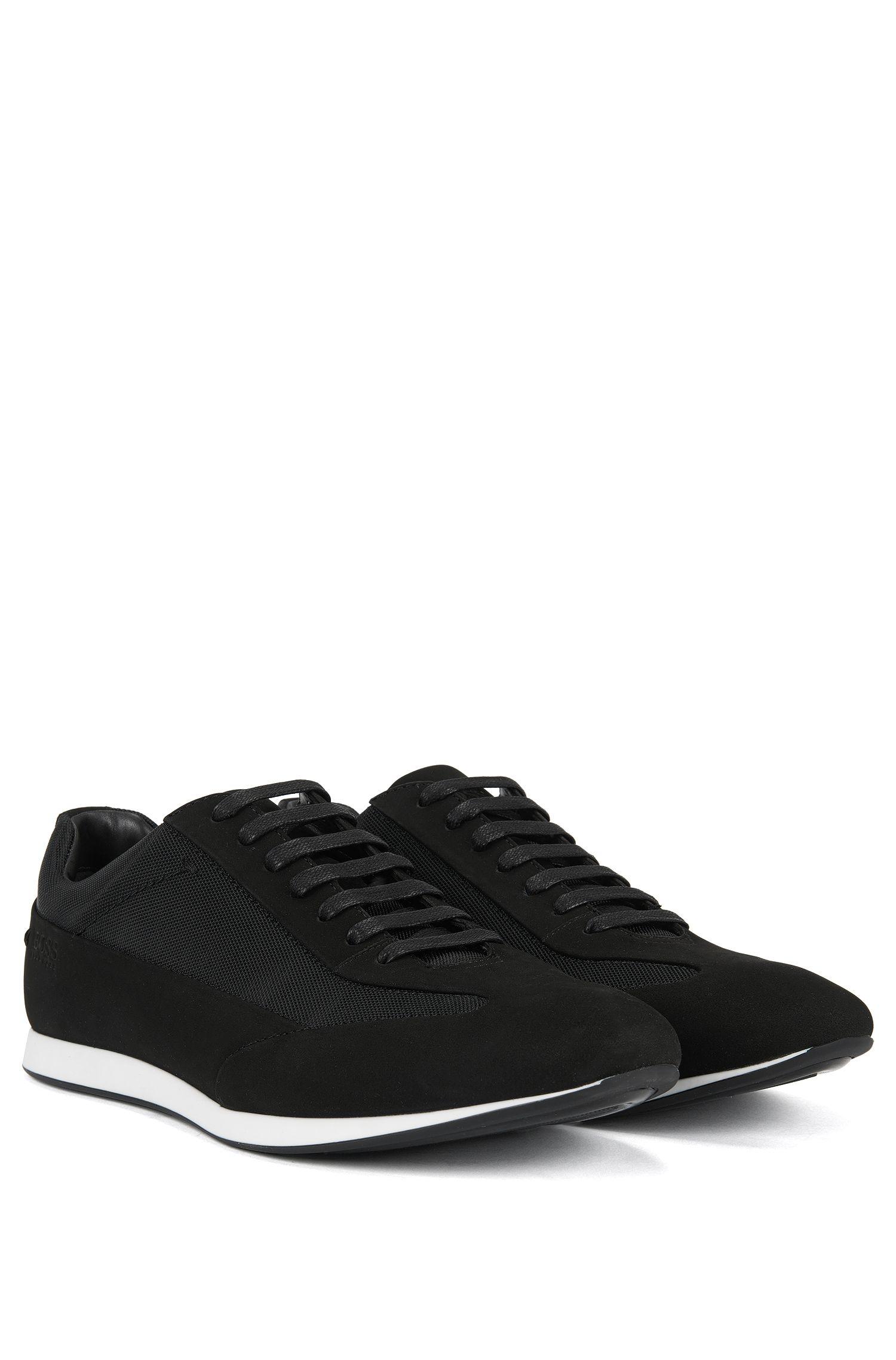 Ledersneakers mit Schnürung und strukturierten Einsätzen von BOSS Menswear, Schwarz