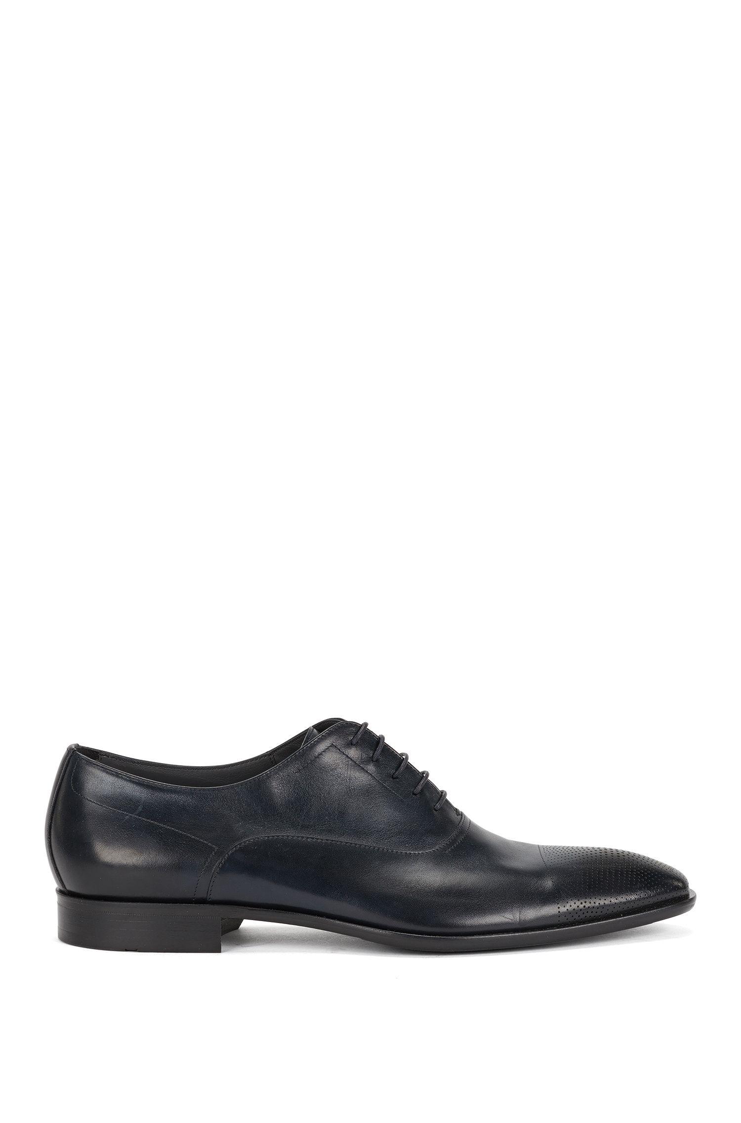 Chaussures à lacets en cuir dotées d'un bout perforé: «Chelsea_Oxfr_ltct»