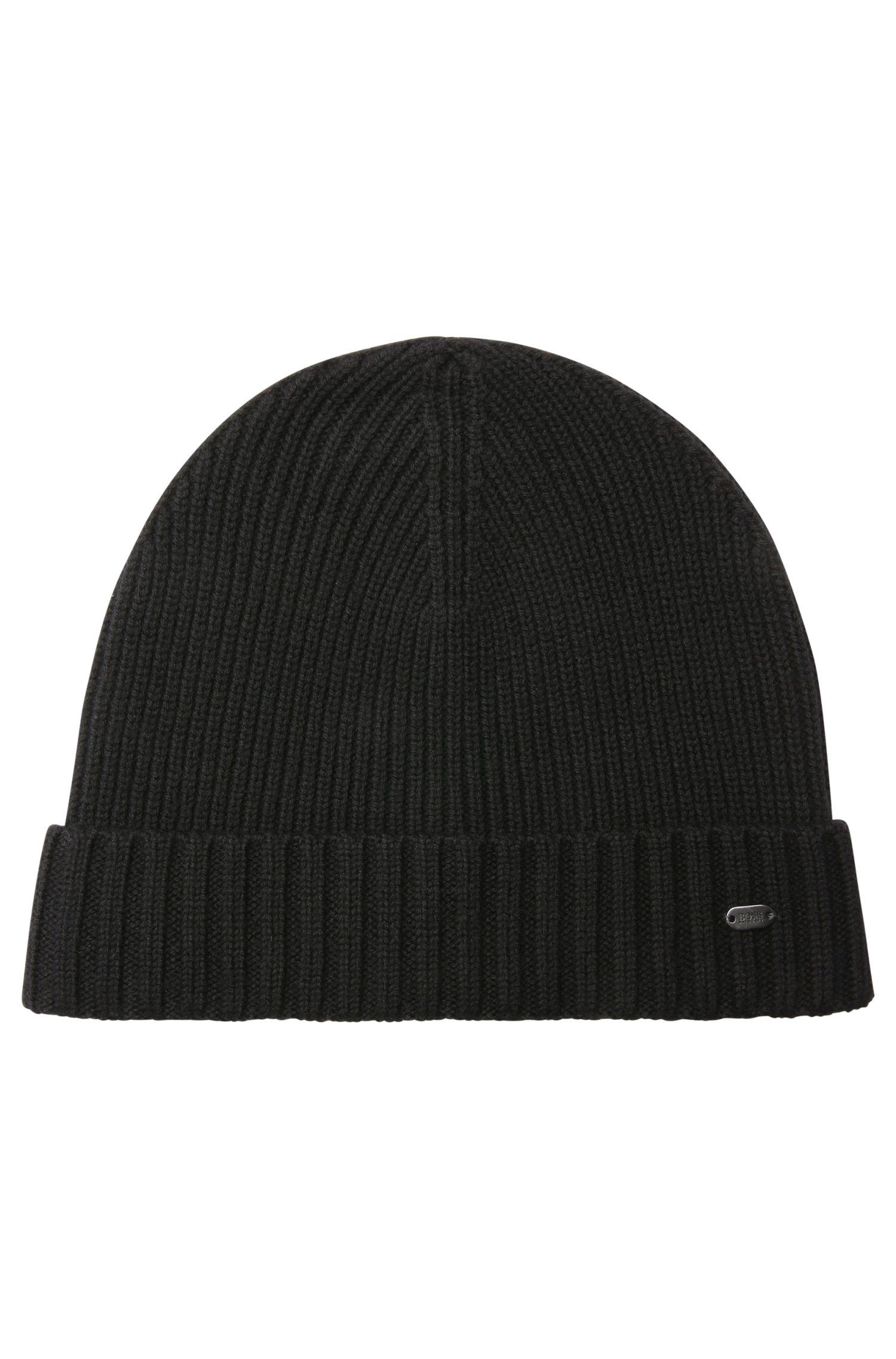 Beanie hat in virgin wool
