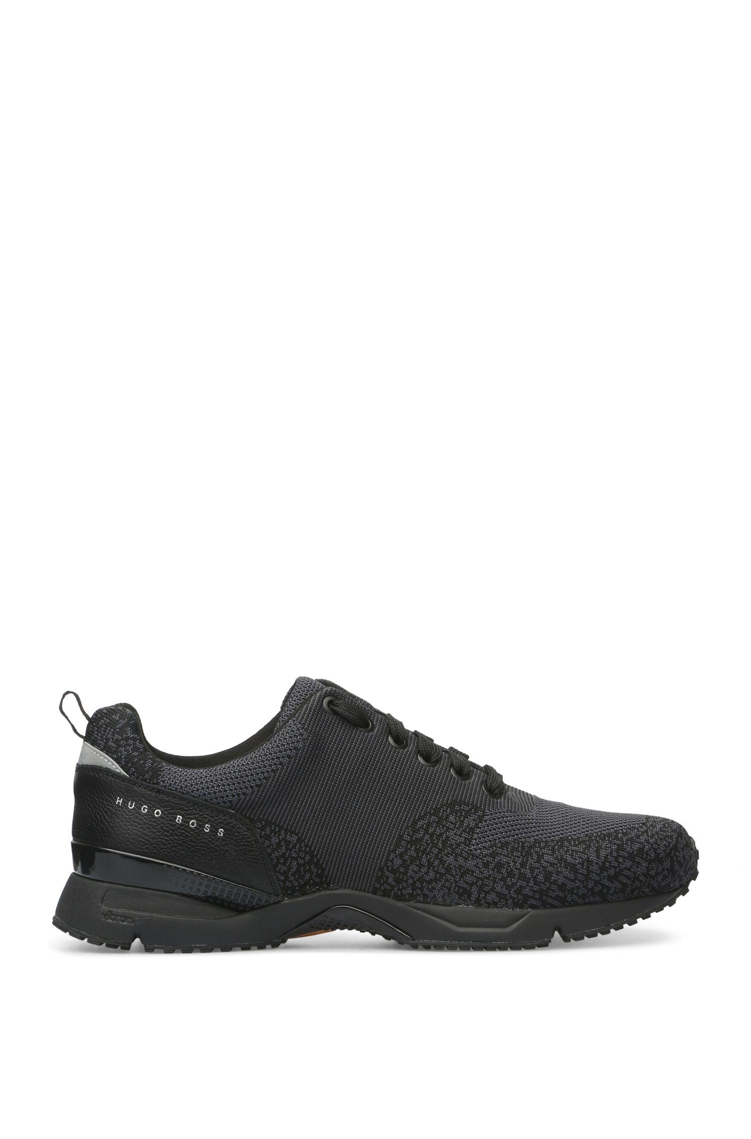 Sneakers mit gestricktem Textil und Leder: ´Velocity_Runn_sykn`