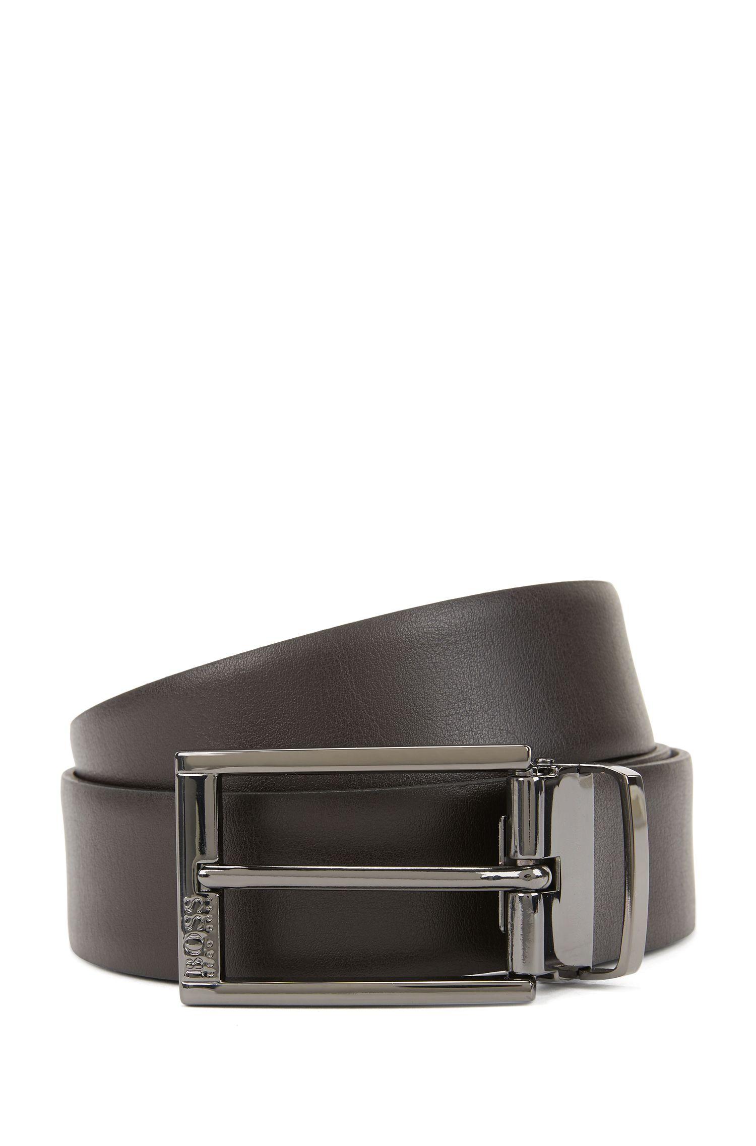 Cinturón reversible de piel en dos tonos con herrajes de metal pesado