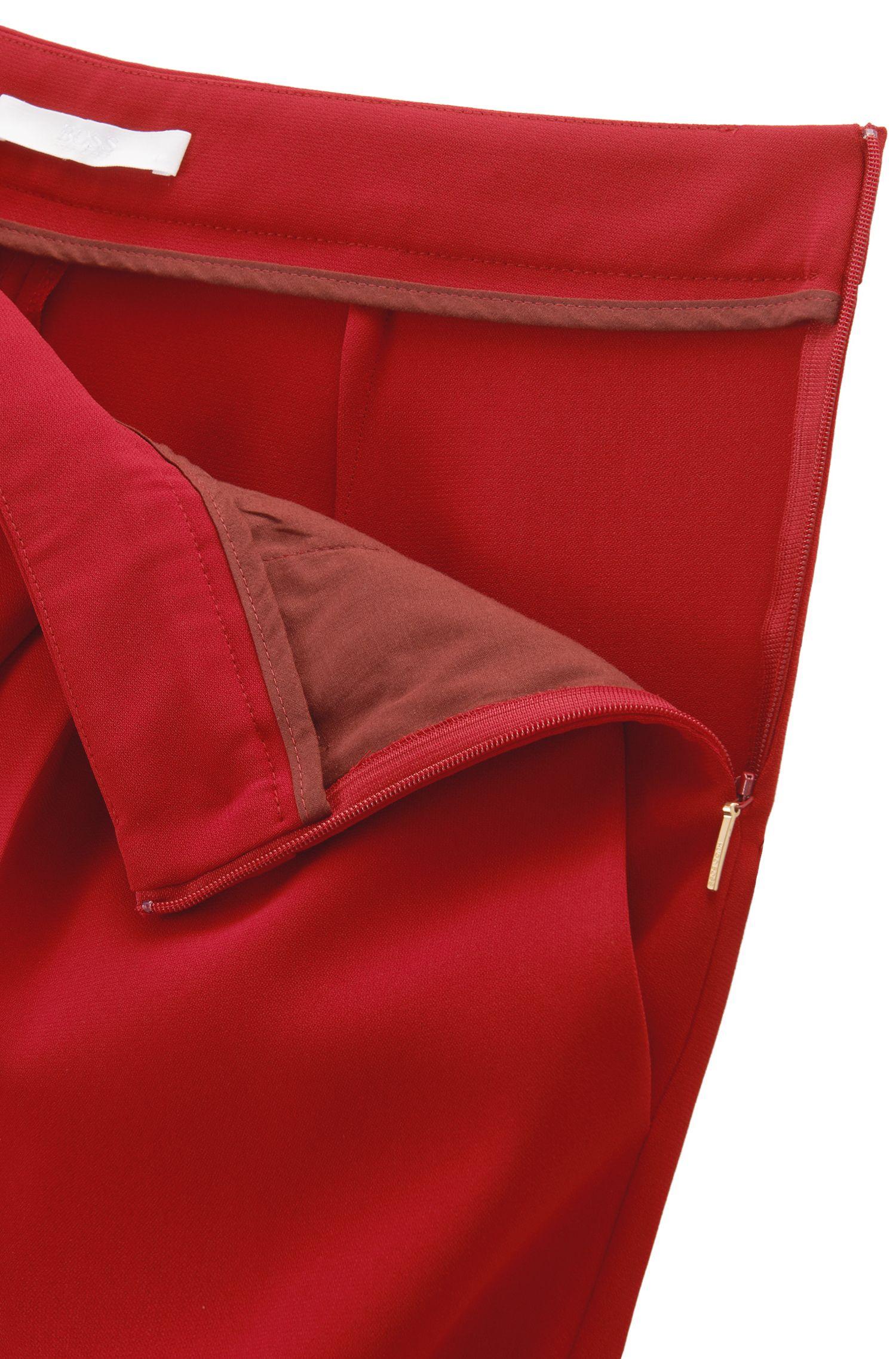 Kortere relaxed-fit broek met asymmetrisch plooidetail, Rood