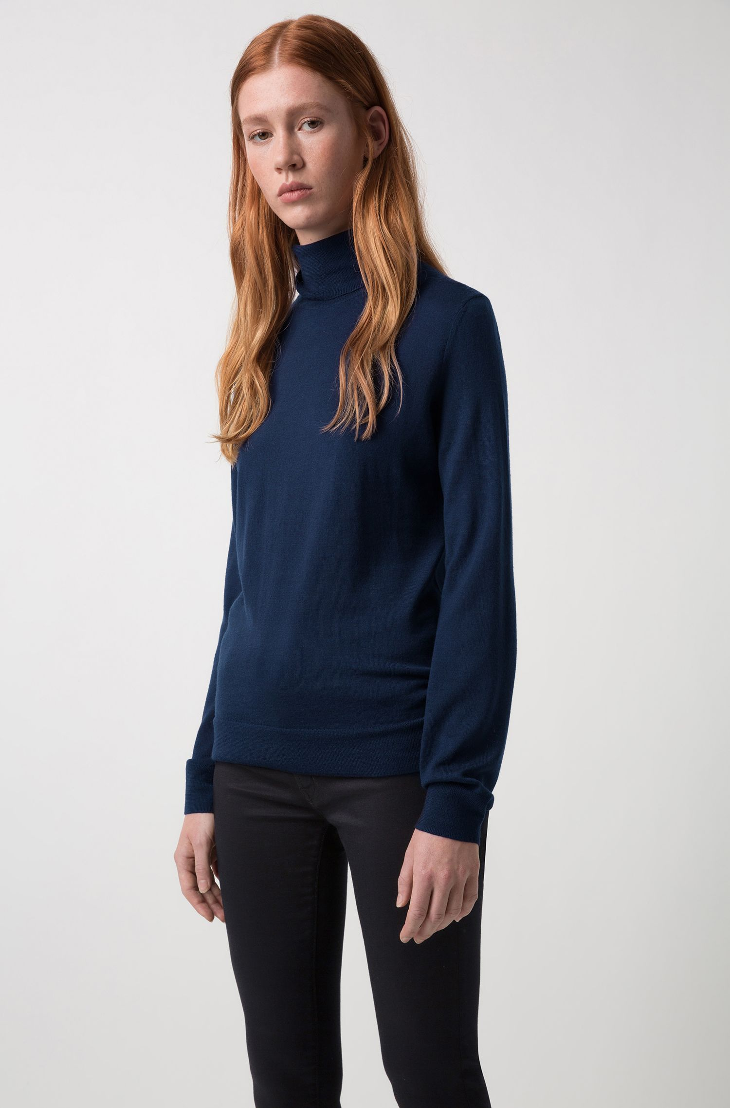 Turtle-neck sweater in merino wool, Dark Blue