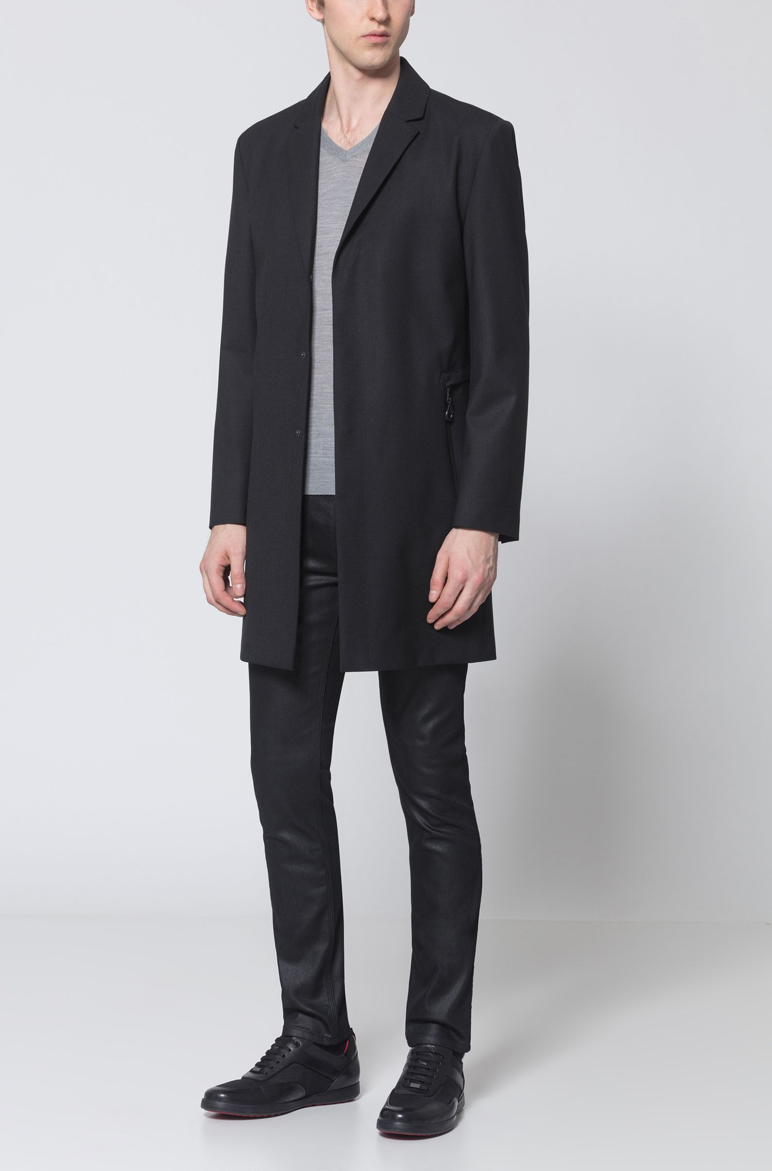Lightweight V-neck sweater in a merino wool blend